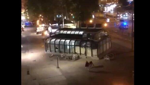 По синагозі в центрі міста відкрили стрілянину, є жертви і постраждалі