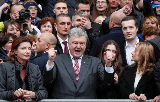 """Фанаты Порошенко обратились к известному блогеру: """"хватит издеваться в последние дни"""""""