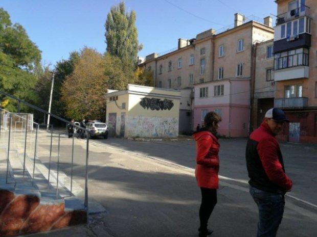 В центре Херсона массовая паника: от страшного взрыва спасали детей