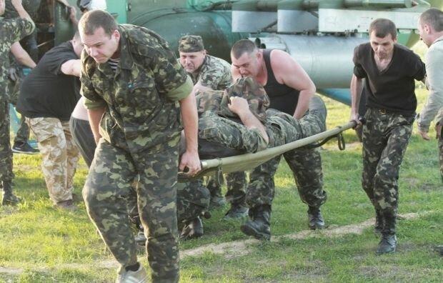 Молиться все Дніпро: з Донбасу привезли тяжкопораненого героя, в небо піднята авіація