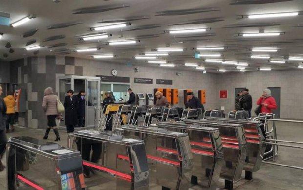 Посібник по відкатам: станція метро показала, куди поділися 25 мільйонів