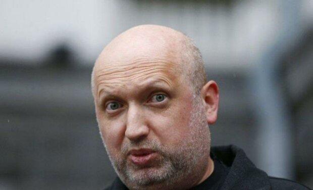 Турчинов просить Зеленського терміново зібрати засідання РНБО, щоб заборонити українцям аборти