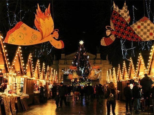 Рекордний Дідух, колядки і п'ять фестивалів: чим здивують туристів у Львові на Різдво