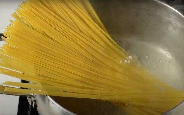 паста, скриншот из видео