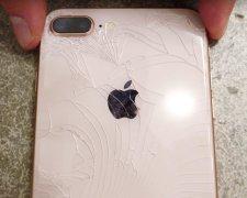 iPhone ламається на очах