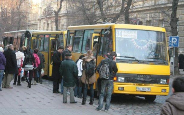 Львовский маршрутчик вызвал неистовую агрессию в соцсетях