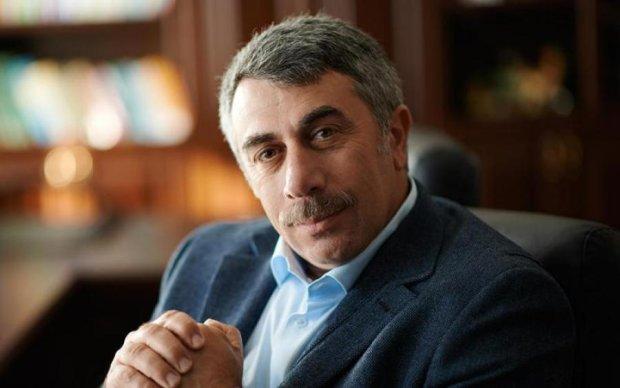 """Автор - дегенерат: """"яжматері"""" напали на доктора Комаровського"""