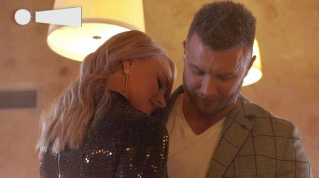 """Украинский """"Холостяк"""" Заливако показал все, что не попало в эфир: """"Потанцуем?"""""""