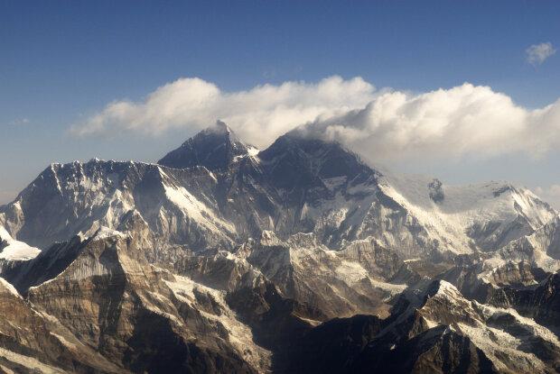 Горы, фото: Википедия