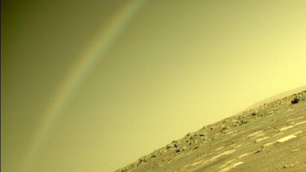"""""""Радуга"""" на Марсе, фото: NASA"""