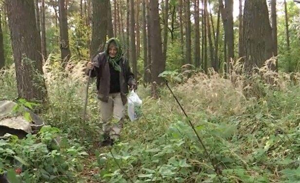 """На Львівщині нахабні квартиранти вигнали стареньку бабцю до лісу: """"Ти тут більше не живеш"""""""