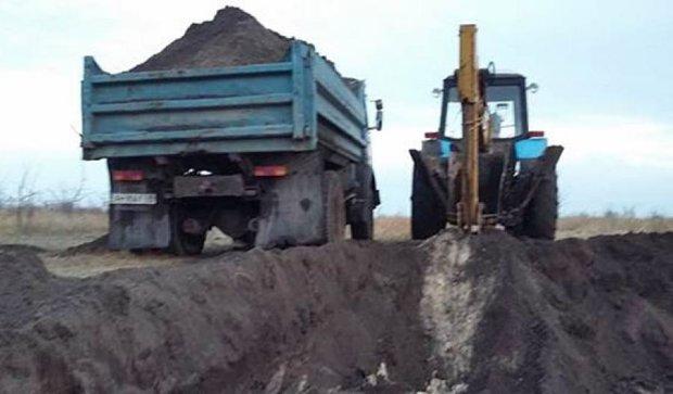 Злоумышленники разрабатывали грунт в национальном парке «Меотида» (фото)