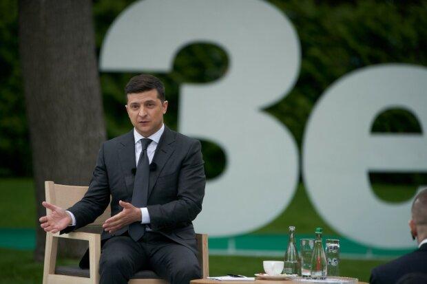 Зеленский на нагретом стуле, фото:president.gov.ua