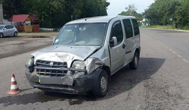 На дороге Киев-Чоп столкнулись три авто