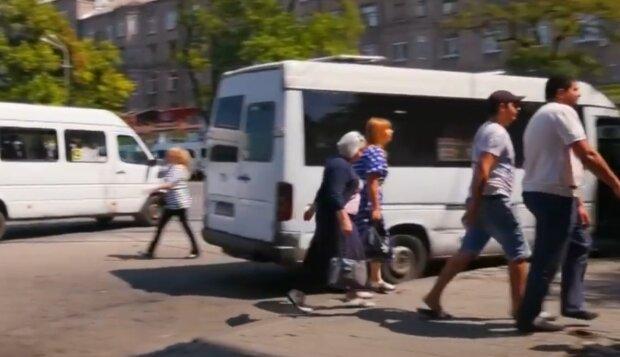 """В Днепре быдло-маршрутчик довел 10-летнего мальчугана до истерики - """"Плати или сиди дома"""""""