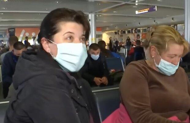 Украинцам объяснили, что делать, если потеряли паспорт за границей - без паники
