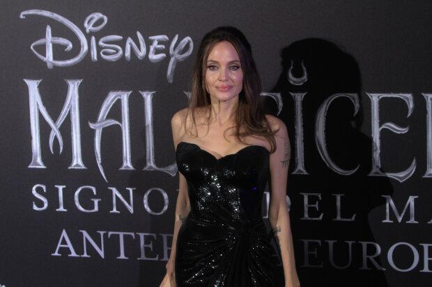 """Джолі закрутила інтрижку з молодою акторкою, Пітт кусає лікті: """"По‑хорошому дика"""", фото"""