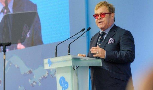 Елтон Джон закликав українців поважати права ЛГБТ