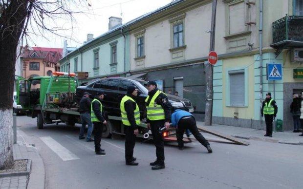 """Війна влади проти """"євроблях"""": українці впаяли космічний штраф"""