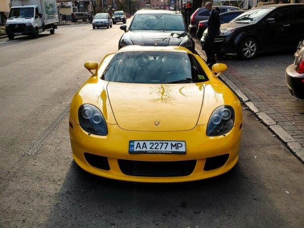 У Києві помітили шикарний Porsche Carrera, фото Instagram