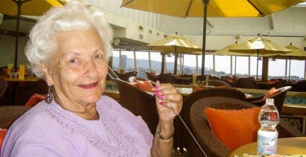 Американська бабуся 17 років мешкає на кораблі