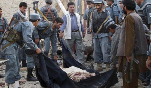 19 человек погибли при взрыве в Афганистане