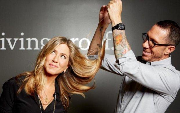 Дженніфер Еністон розкрила секрет своєї легендарної зачіски