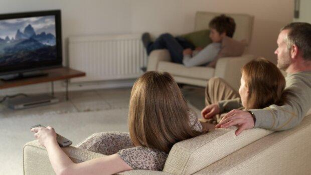 """Шерлок Холмс отдыхает: для """"диванных сыщиков"""" сделали подборку лучших детективных сериалов"""
