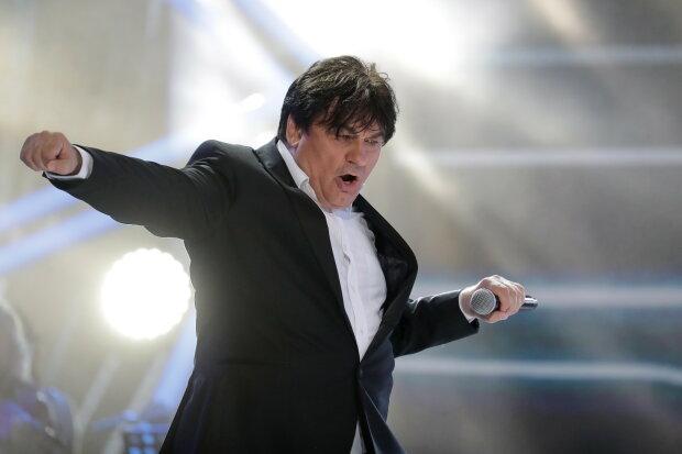 7 лет спустя: скандальному российскому певцу Серову разрешили выступать в Украине