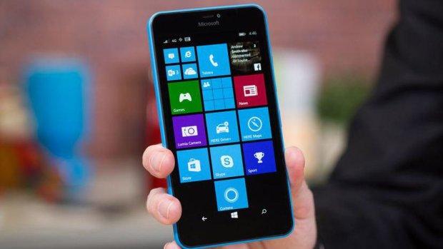 Microsoft представила безглуздий девайс для мертвого смартфона