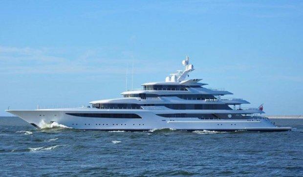 На День рождения Медведчук побаловал себя яхтой за $ 200 млн