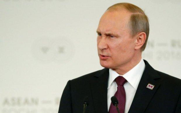 Страх Путіна перед школярами висміяли в соцмережах