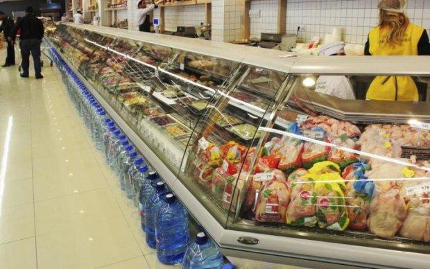 Краще вам цього не бачити: український супермаркет знову оскандалився