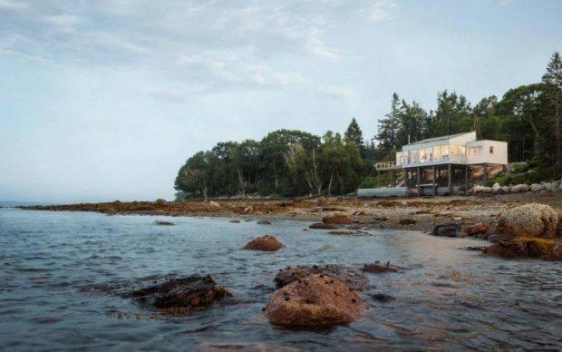 Стихія не питає: історична будівля перекочувала з США в Канаду