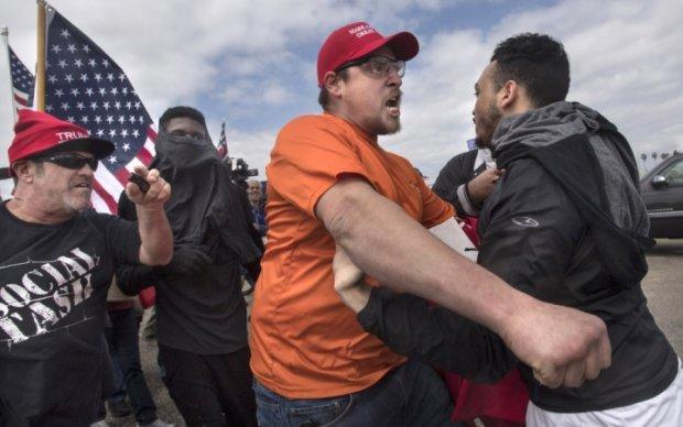 Обнародовано видео массовой драки из-за Трампа в Калифорнии