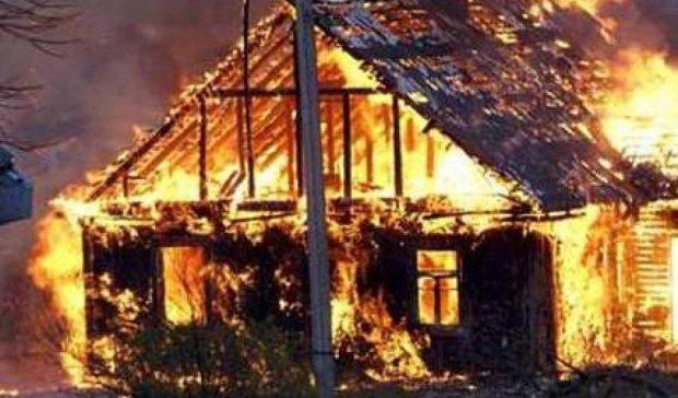 Двое детей сгорели во время пожара в Киевской области