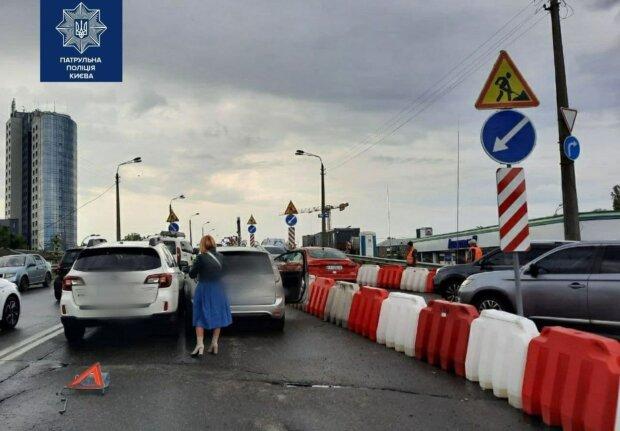 Серьезное ДТП парализовало движение в Киеве: проспект кишит автомобилями