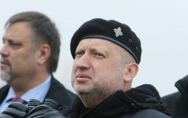 Турчинов и Яценюк наговорили на срок: что грозит украинским чиновникам