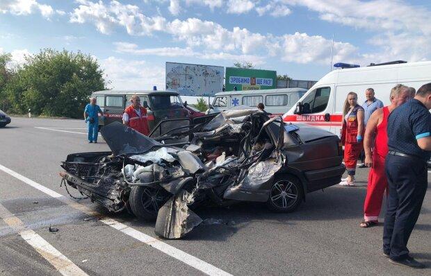 Неуправляемый грузовик разрушил пол Одессы: жуткие кадры постапокалипсиса