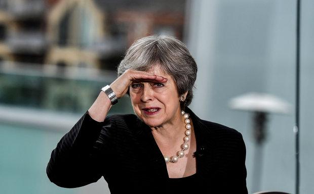 Тереза Мей збила з пантелику заявою про Brexit: непоправна шкода і розкол
