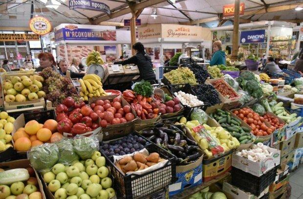 Як зміняться ціни на продукти, паливо і комуналку в жовтні: дефіцит нафти та дешеві яблука