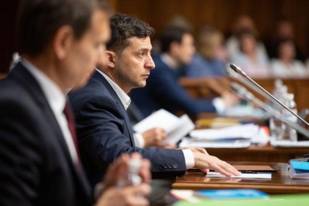 Зеленский влаштував рознос скандальному чиновнику в Одесi: iз заявою - на вихiд