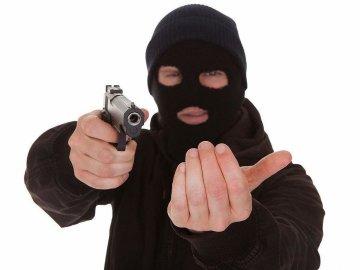 """У Києві банда розстріляла чоловіка, введено план """"Сирена"""", опубліковані прикмети злочинців"""