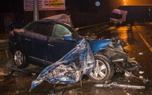 Ночные покатушки: киевлянин разнес несколько машин, пытаясь убежать от копов