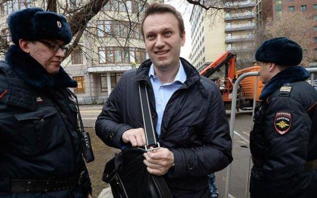 """Кремль нашел смешной повод """"запретить"""" Навального"""