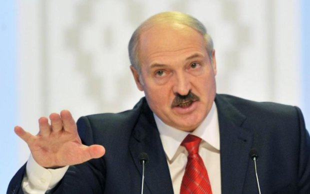 Лукашенко пошел в атаку: в крупнейшее независимое СМИ Беларуси TUT.BY пришли с обысками