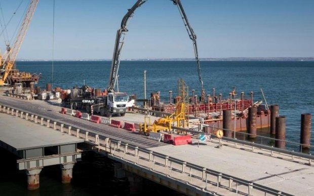 Спекуляції на Керченському мосту: навіщо Росії проект без майбутнього