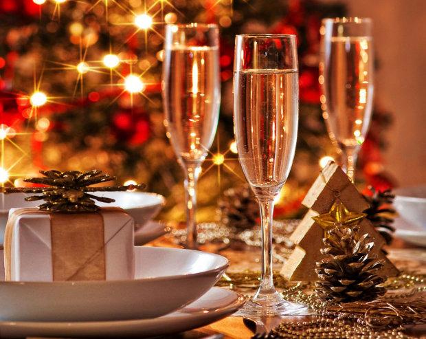 Новогодние приметы: почему нужно шампанское