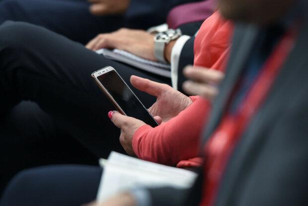 Мобильные мошенники придумали хитрую схему, под прицелом каждый украинец: страдают самые доверчивые