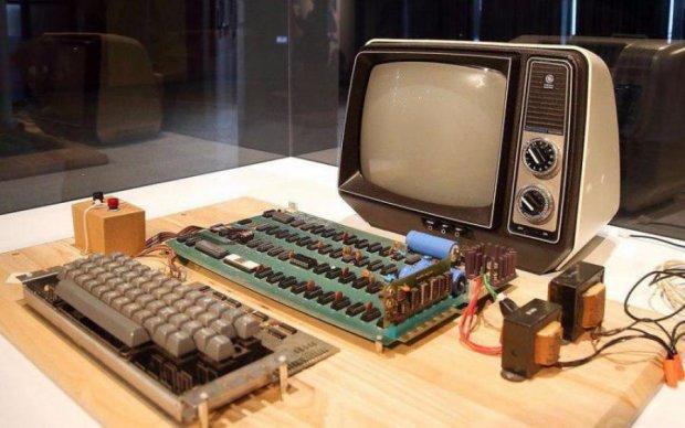 Найперший комп'ютер Apple пішов з молотка за тисячі доларів